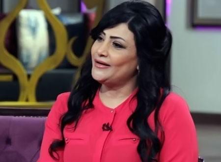 بدرية طلبة في مشهد خطير بعد رفضها الاستعانة بدوبلير