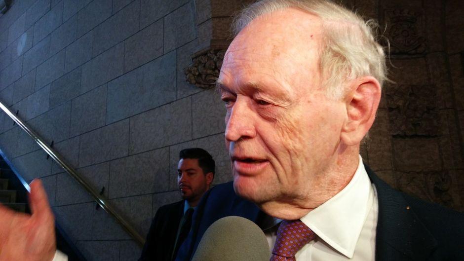 Trudeau ne doit pas refuser l'appui des bloquistes, dit Jean Chrétien