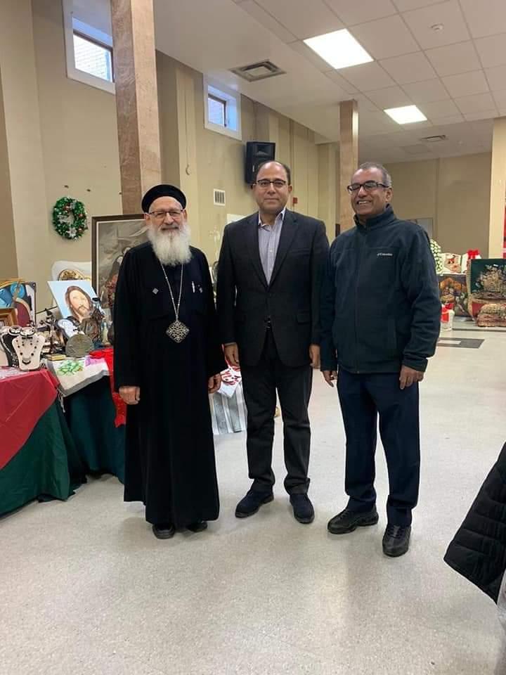 سفير مصر في كندا يشارك في بازار عيد الميلاد بكنيسة سانت ماري القبطية في اوتاوا