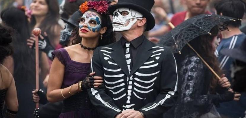 """""""يوم الموتى"""" فلكلور مكسيكي لإحياء ذكرى الأحباء"""