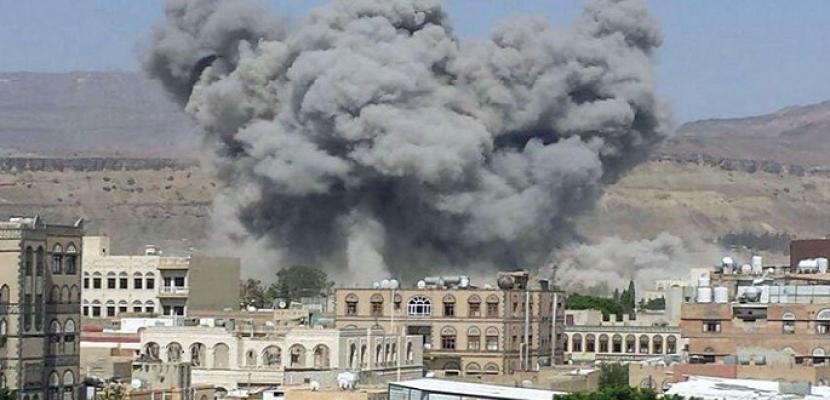 مقتل قيادى حوثى وإصابة آخر فى قصف للجيش اليمنى شرق تعز