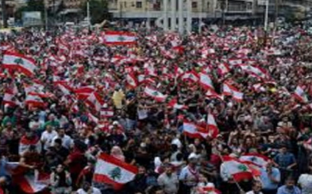 دعوات إلى إضراب عام في الجزائر يوم الثامن من ديسمبر