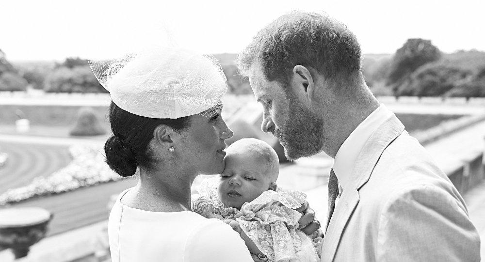 الأسرة المالكة البريطانية متألمة ومحبطة من إعلان هاري وميجان