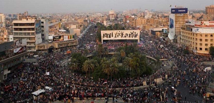 الأمن العراقى يحاول فض اعتصام ساحة التحرير .. ومواجهات عنيفة مع المتظاهرين