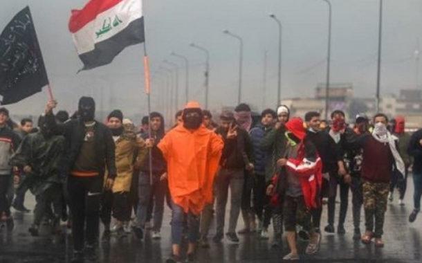 مقتل متظاهر في البصرة ومطالبات بإخراج القوات الأمريكية من العراق