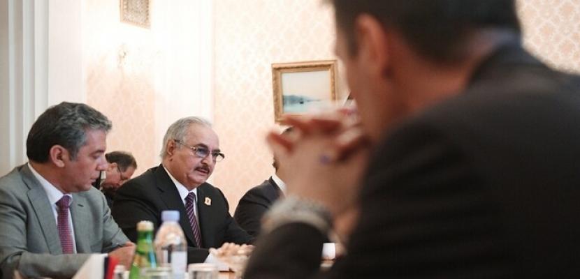 موسكو: حفتر أظهر إيجابية بشأن وقف إطلاق النار في ليبيا.. وسيأخذ يومين في مناقشة الاتفاق
