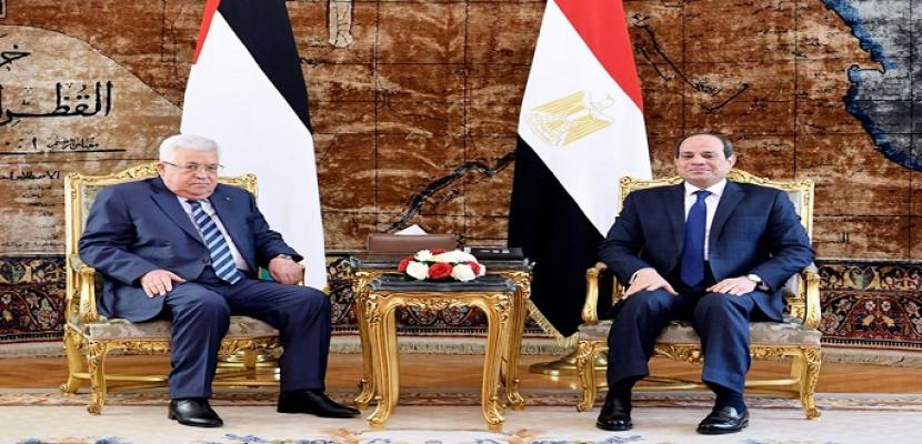 الرئيس السيسي لأبو مازن : لا بديل عن المفاوضات المباشرة بين طرفي النزاع الفلسطيني – الإسرائيلي