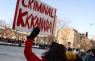 Des manifestants bloquent la rue Sherbrooke à Montréal