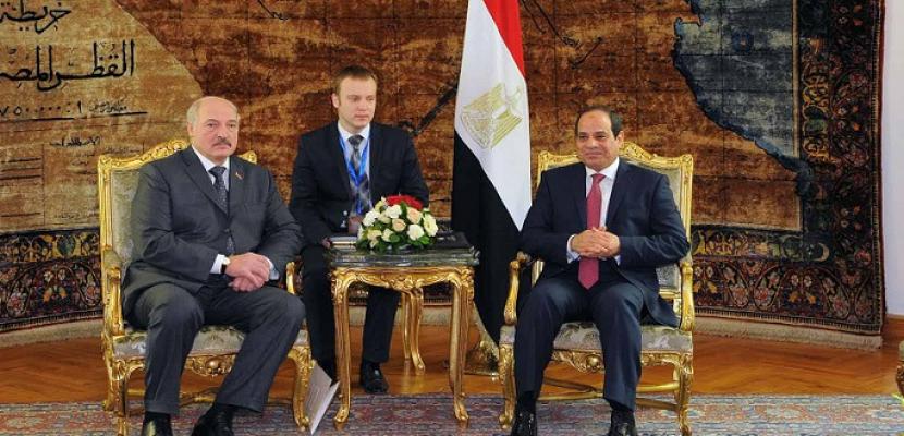 الرئيس السيسي يستقبل نظيره البيلاروسي بقصر الاتحادية