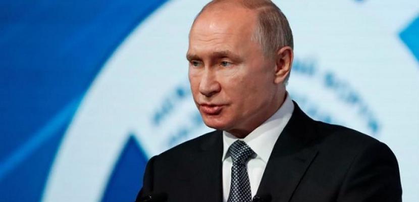 موسكو ترفض الاتهامات الغربية: لا علاقة للقاحات كورونا بـ «النفوذ»
