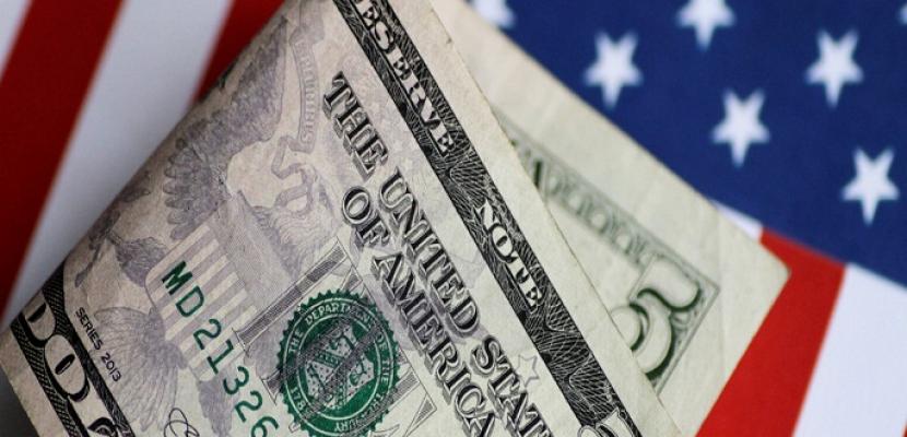 الدولار يصعد بعد بيانات قوية لمبيعات التجزئة في الولايات المتحدة