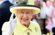 ملكة بريطانيا تبعث رسالة تقدير للعاملين في مجال الصحة