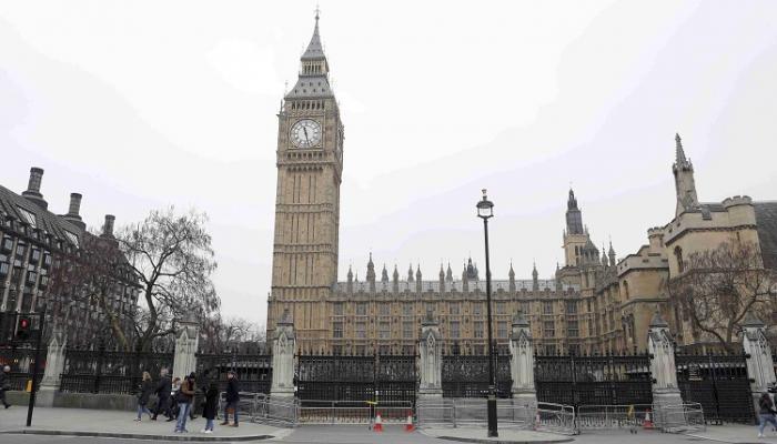 لأول مرة منذ 700 سنة.. سابقة في البرلمان البريطاني