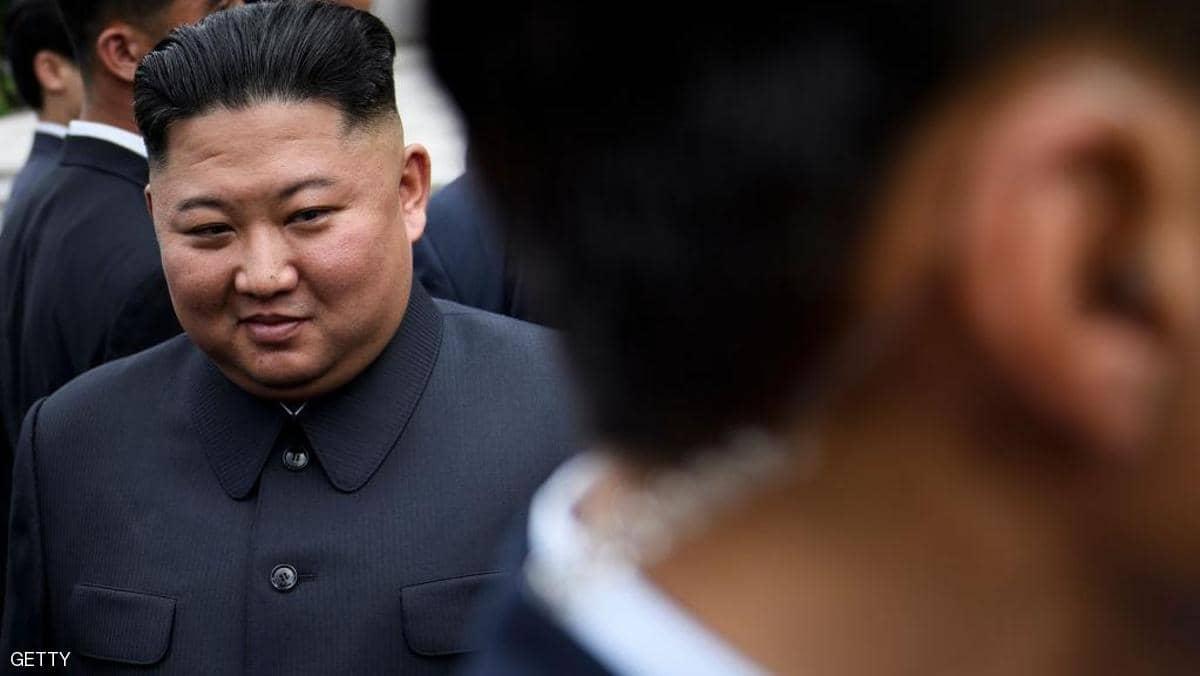 كوريا الشمالية تتحدى كورونا باجتماع «مئات القادة»