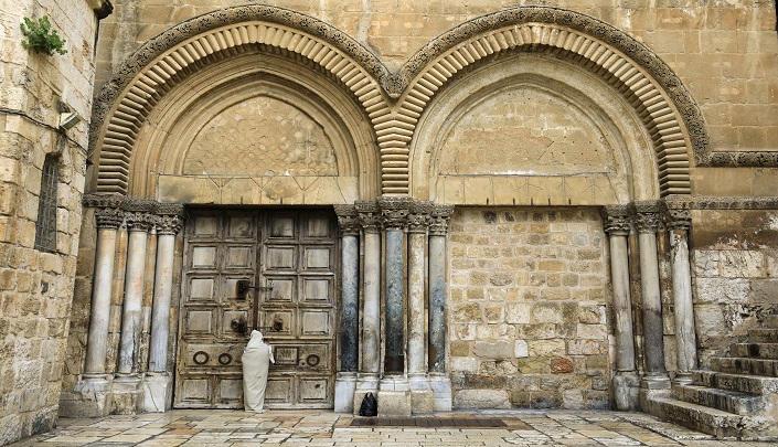 القدس:  كنيسة القيامة مغلقة في عيدها للمرة الأولى