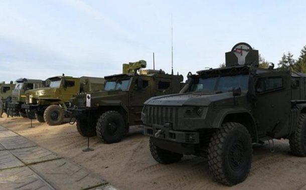 """تعزيزات روسية تصل إلى مطار """"القامشلي"""" بسوريا"""