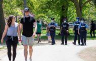 """""""حشود الحدائق"""" تثير القلق في كندا.. وتحذير من تفشي كورونا"""