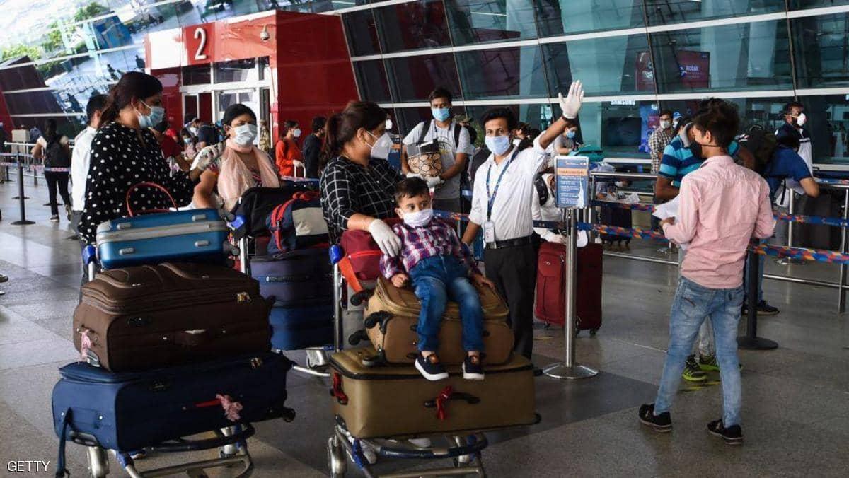 رغم ارتفاع إصابات كورونا.. الهند تستأنف الرحلات الداخلية
