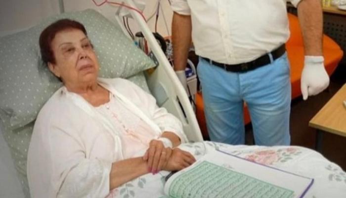 د. أشرف زكي يكشف الحالة الصحية لرجاء الجداوي