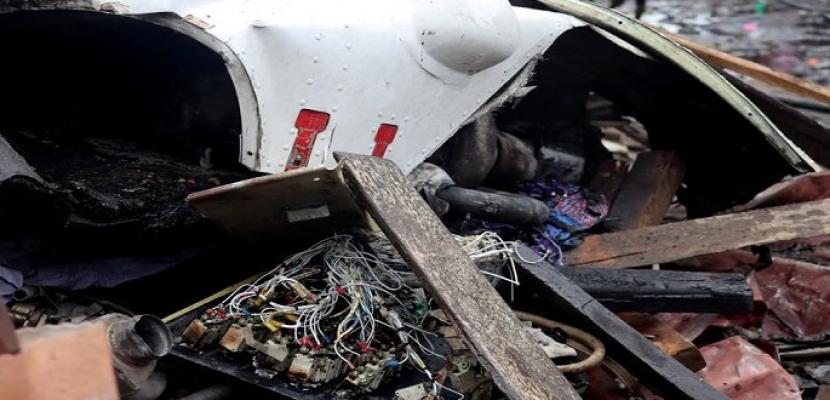 تحطم طائرة ركاب باكستانية على متها 107 أشخاص في كراتشي