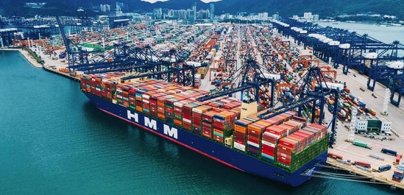 وزارة النقل: قناة السويس تستعد لعبور أكبر سفينة حاويات في العالم وعلى متنها ٢٤ ألف حاوية