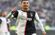 رونالدو أول لاعب كرة قدم يدخل نادي المليارديرات في التاريخ