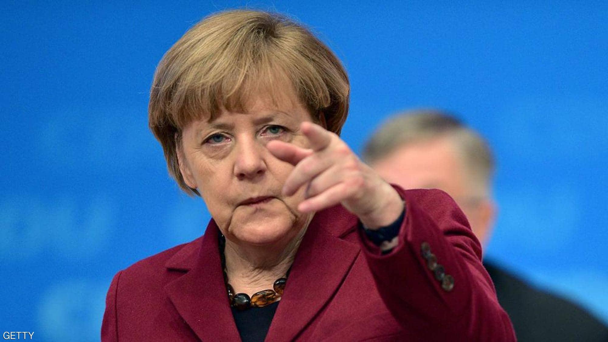 """تقرير: ميركل منعت """"وقوع حرب"""" في البحر المتوسط الليلة الماضية"""