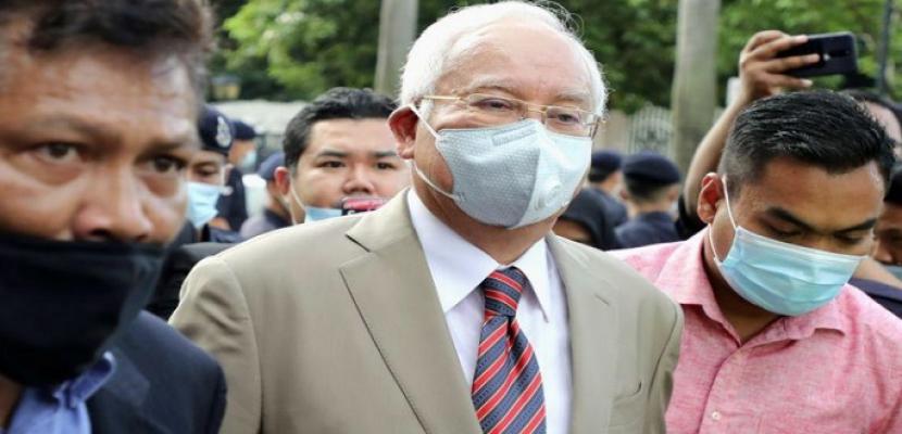 السجن 12 عاما وغرامة لرئيس وزراء ماليزيا السابق بسبب إساءة استغلال السلطة