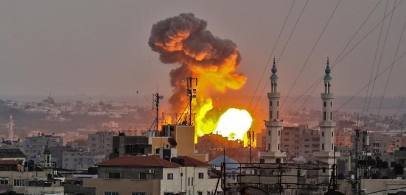 إسرائيل تقصف قطاع غزة لليوم السابع على التوالى