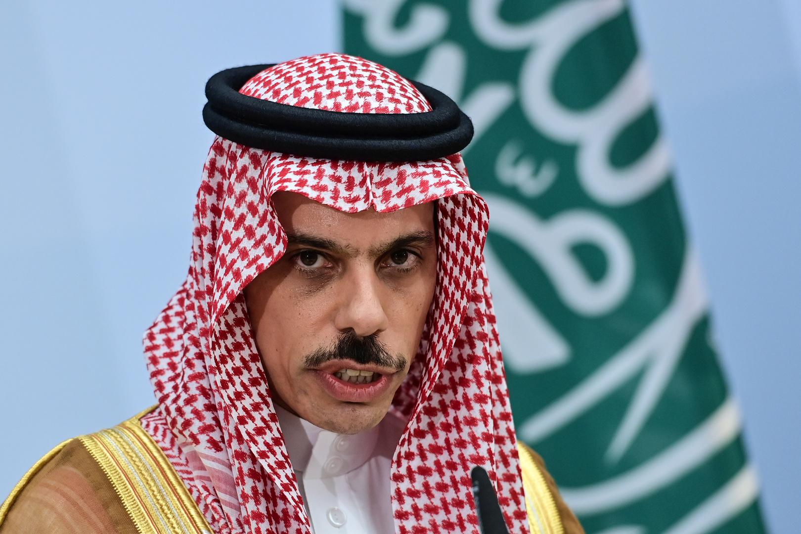 وزير الخارجية السعودي وحل «قريب» للأزمة القطرية