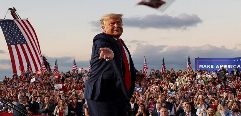 ترامب يكثف تجمعاته في الولايات الحاسمة قبل أسبوعين من الانتخابات الرئاسية
