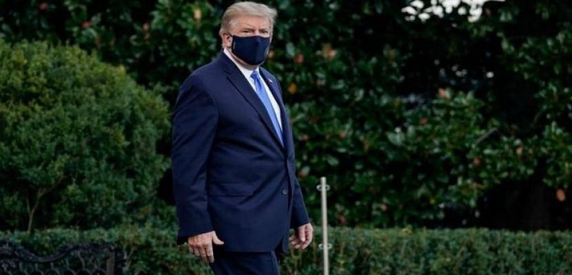 ترامب يعود إلى مكتبه الرئاسي في البيت الأبيض