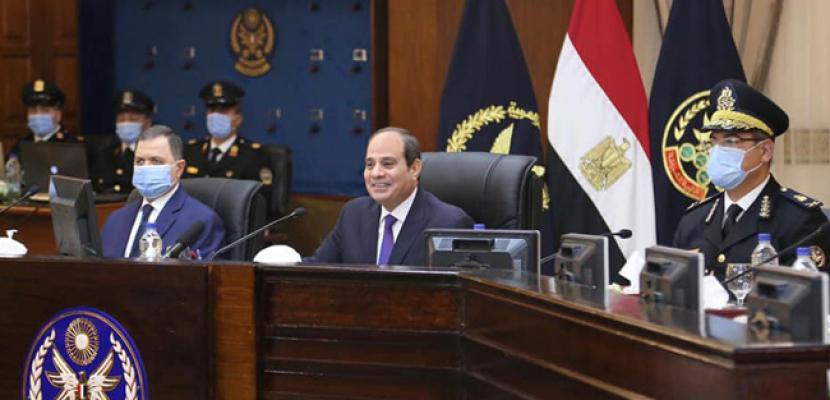 الرئيس السيسي يتفقد أكاديمية الشرطة ويحضر اختبار کشف الهيئة للطلبة المتقدمين