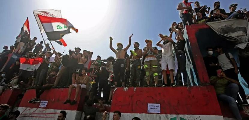 عشرات الآلاف من أنصار التيار الصدري يتظاهرون في بغداد
