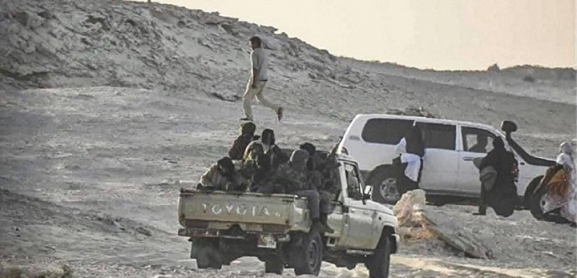 المغرب يقيم ساتراً ترابياً على الطريق مع موريتانيا في الصحراء المغربية