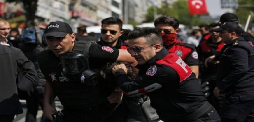 تركيا تعتقل 54 جنديًا بتهمة الانتماء لـ جماعة جولن