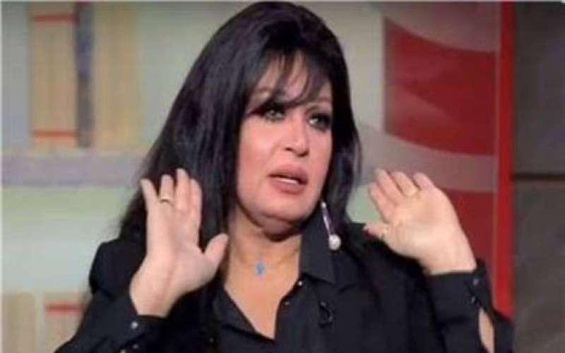 فيفي عبده تكشف تفاصيل أزمتها الصحية: مش قادرة أمشي على رجلي