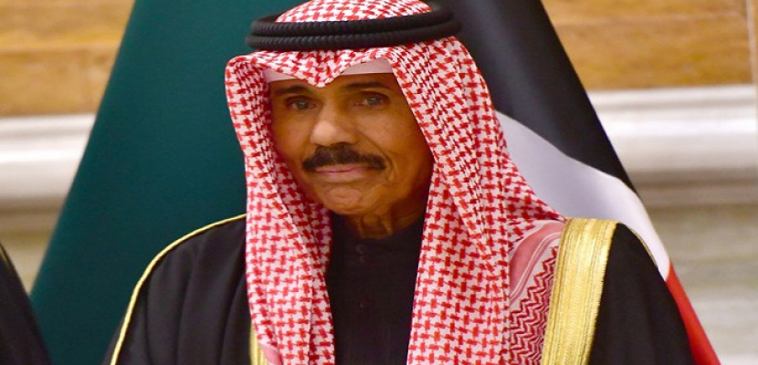 أمير الكويت يقبل استقالة الحكومة ويكلفها بتسيير الأعمال