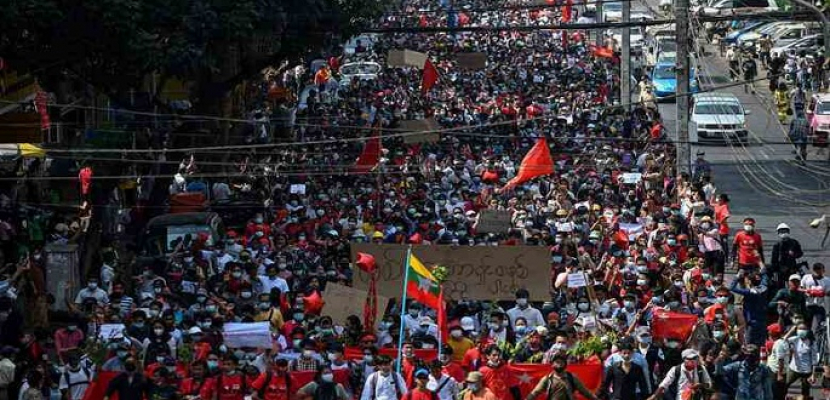 مظاهرات حاشدة في ميانمار للمطالبة بالإفراج عن أونج سان سوتشي