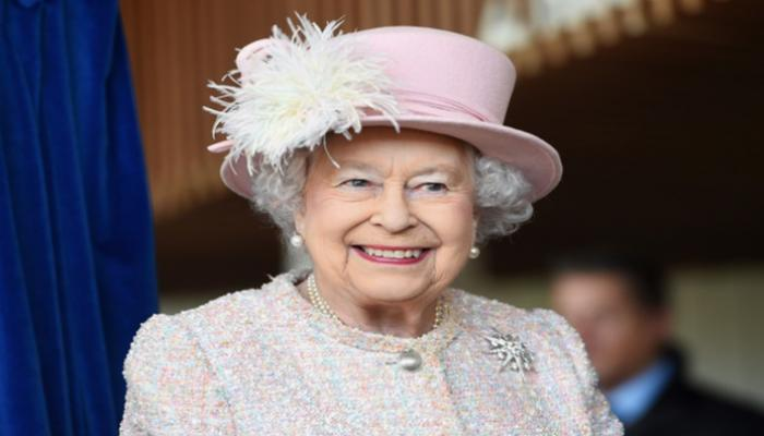 """ظهور تلفزيوني لملكة بريطانيا قبيل """"لقاء هاري وميجان"""""""