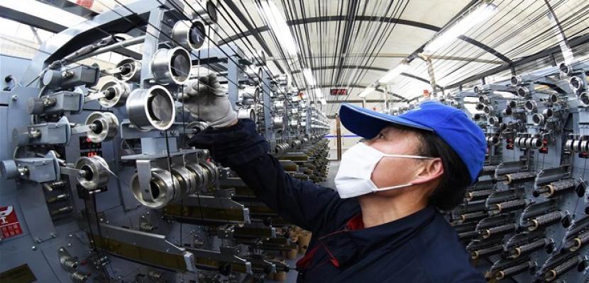 الصين تحافظ على مكانتها كأكبر مركز للتصنيع في العالم