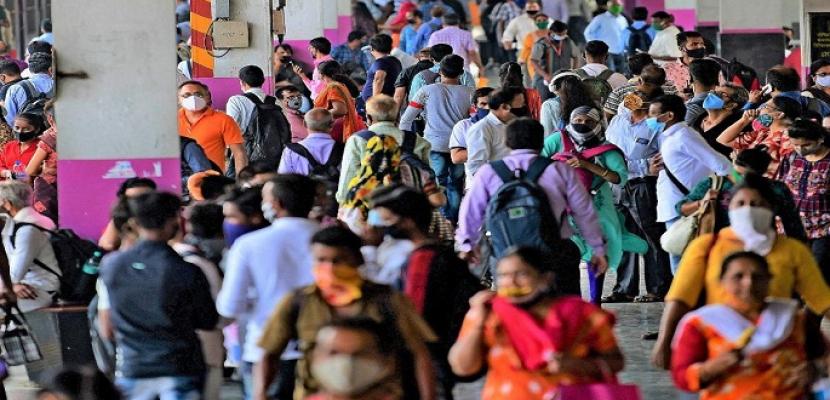 الهند تواصل تسجيل أعلى حصيلة إصابات يومية بكورونا على مستوى العالم .. ووصول أول دفعة من المساعدات الدولية