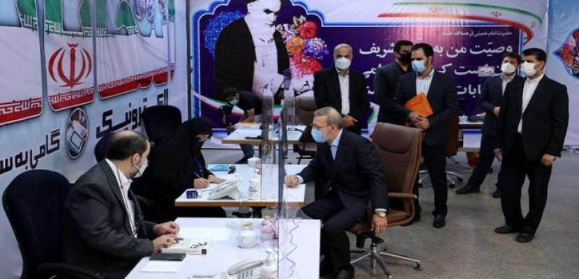 """قبول 7 مرشحين فقط للانتخابات الرئاسية الإيرانية من بين أكثر من 200 .. و""""صيانة الدستور """"يرفض ترشح نجاد ولاريجاني"""