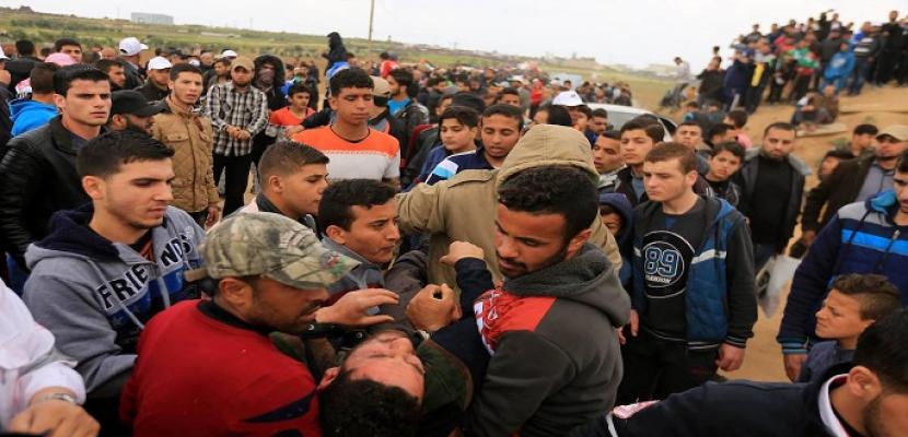 استشهاد شاب فلسطيني وإصابة 8 برصاص الاحتلال جنوب نابلس