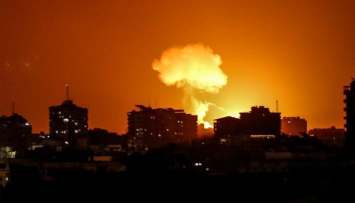 إسرائيل تعلن استهداف موقع لتصنيع الأسلحة وأهداف بحرية لحماس