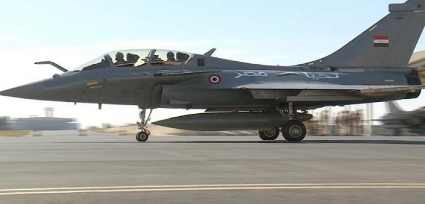 مصر وفرنسا توقعان عقد توريد 30 طائرة طراز رافال