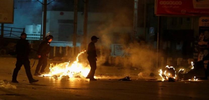 تجدد الاحتجاجات في تونس وسط تنامي الغضب إزاء حكومة المشيشي