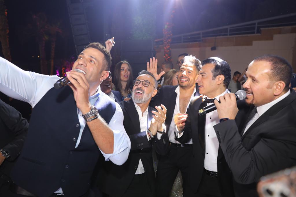 وصلة غناء تجمع حماقى ومحمد نور وإيهاب توفيق فرح ابن مصطفى قمر