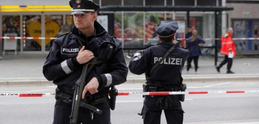 إصابة شخص إثر تعرضه لهجوم بسكين في مطار دوسلدورف بألمانيا