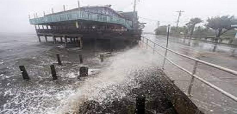 """مصرع شخص وإصابة العديد جراء العاصفة الاستوائية """"إلسا"""" بالولايات المتحدة"""